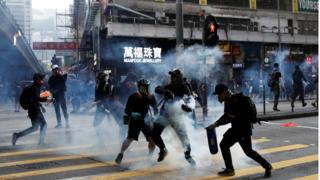 , Hong Kong: 'I was tear gassed getting my lunch', Saubio Making Wealth