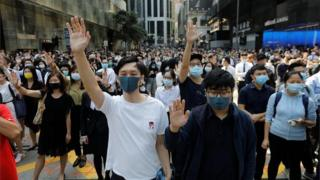 , Hong Kong in first recession for a decade amid protests, Saubio Making Wealth