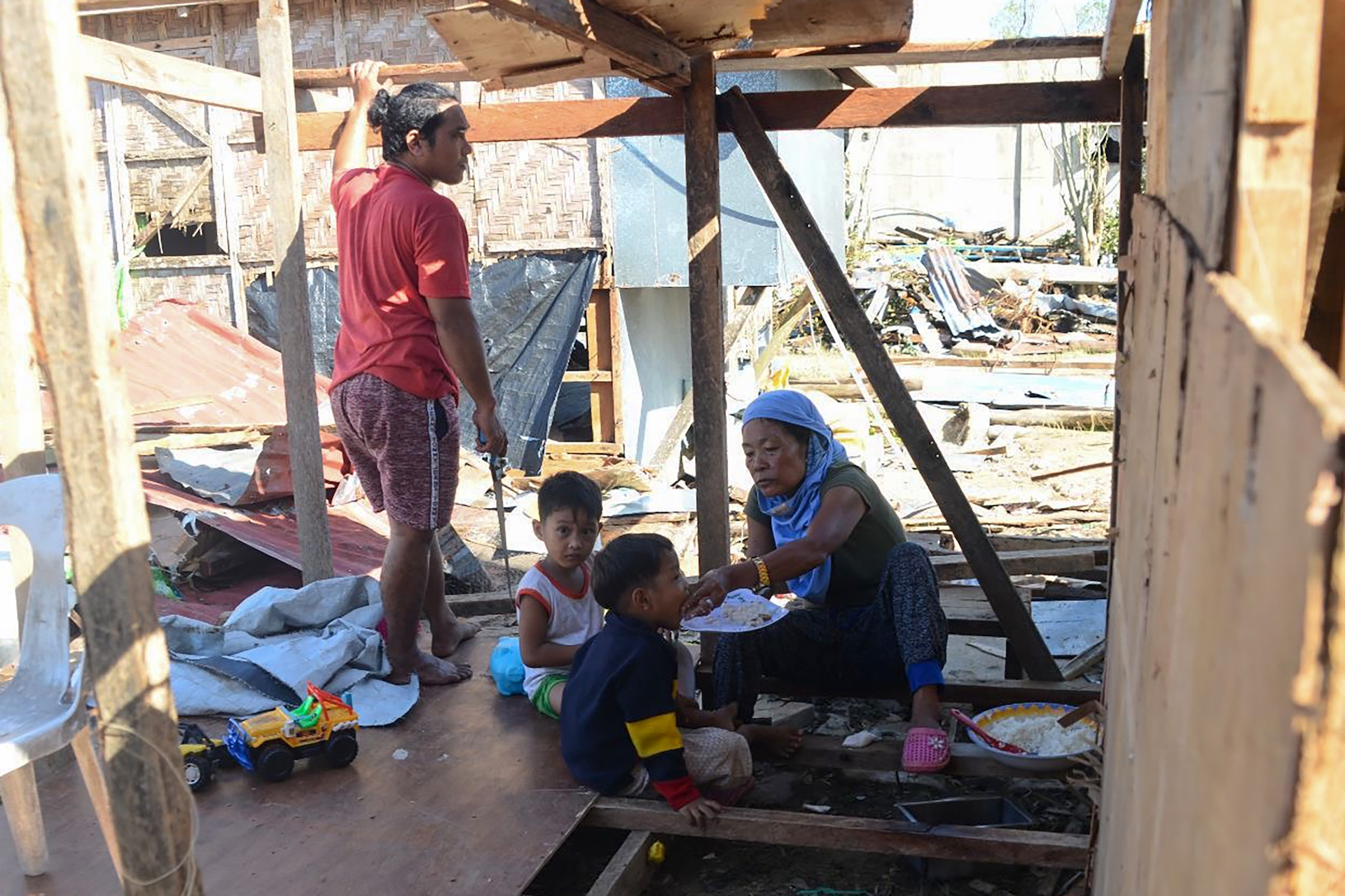 , Photos Show Horrific Devastation After Typhoon Slams Into the Philippines, Saubio Making Wealth