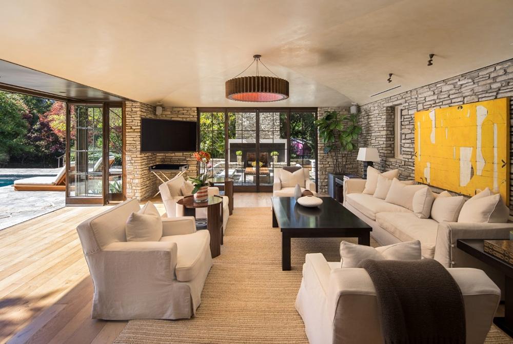 , Brad & Jen's Newlywed Mansion for Sale, Saubio Making Wealth