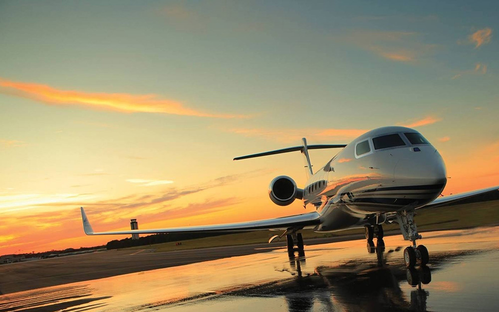 , Tailgate at 40,000 Feet with a Private Jet Provider Monarch Air Group , Saubio Making Wealth