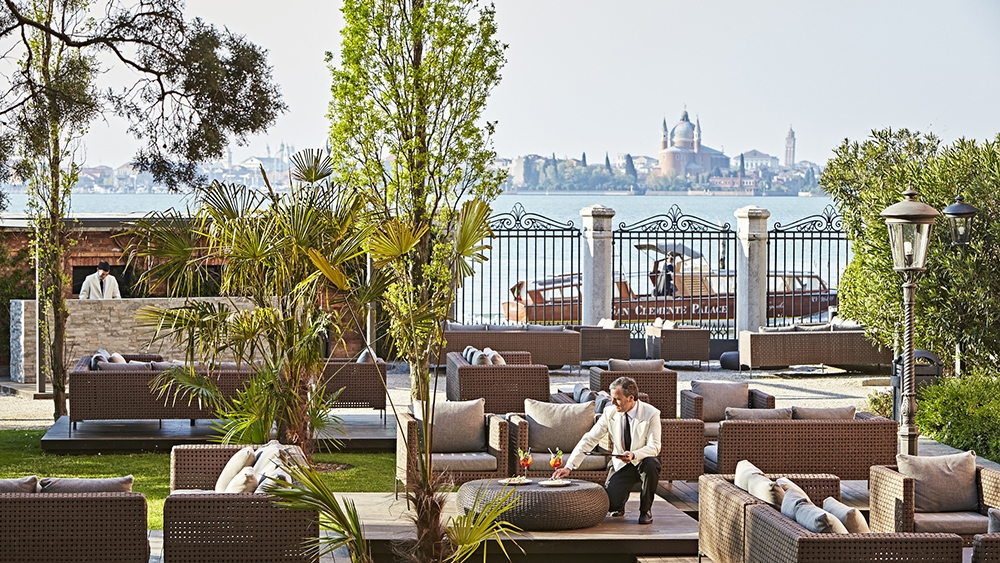 , The San Clemente Palace Kempinski is Venice's Most Luxurious Island Resort, Saubio Making Wealth