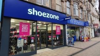 , Shoe Zone: Retailer warns 100 shops could close, Saubio Making Wealth