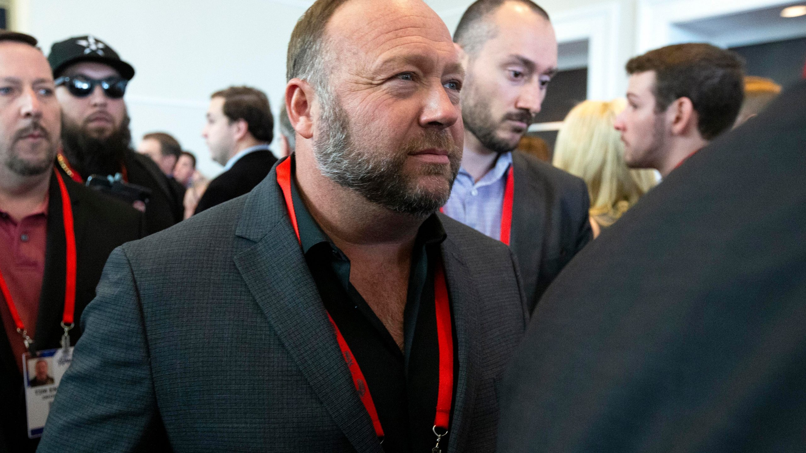 , Alex Jones Thinks His Drunk Driving Arrest Is a Conspiracy Too, Saubio Making Wealth