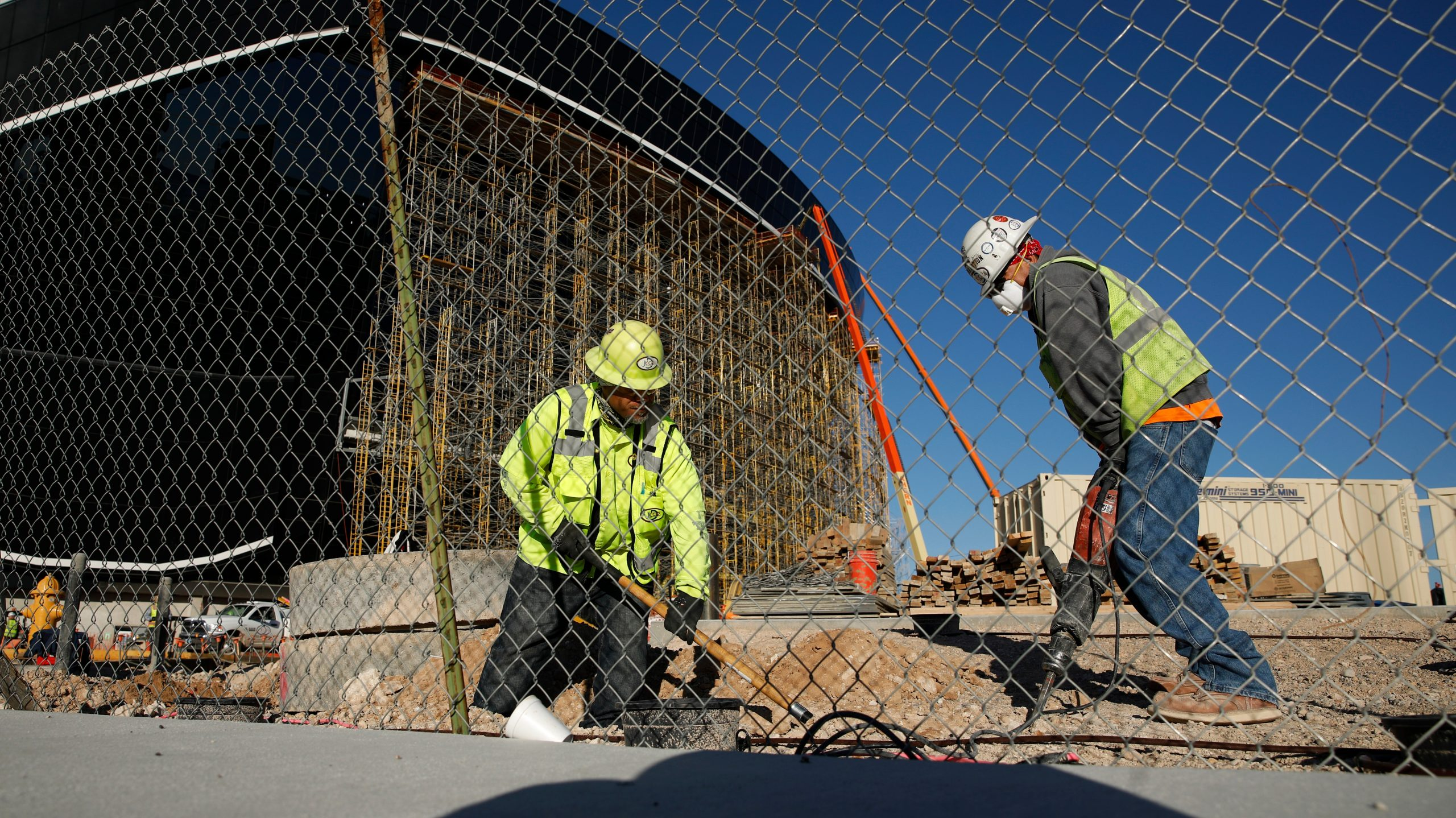 , Construction Workers Said Their Sites Are Still High-Fiving and Sharing Porta Potties: 'We're All Going to Get It', Saubio Making Wealth