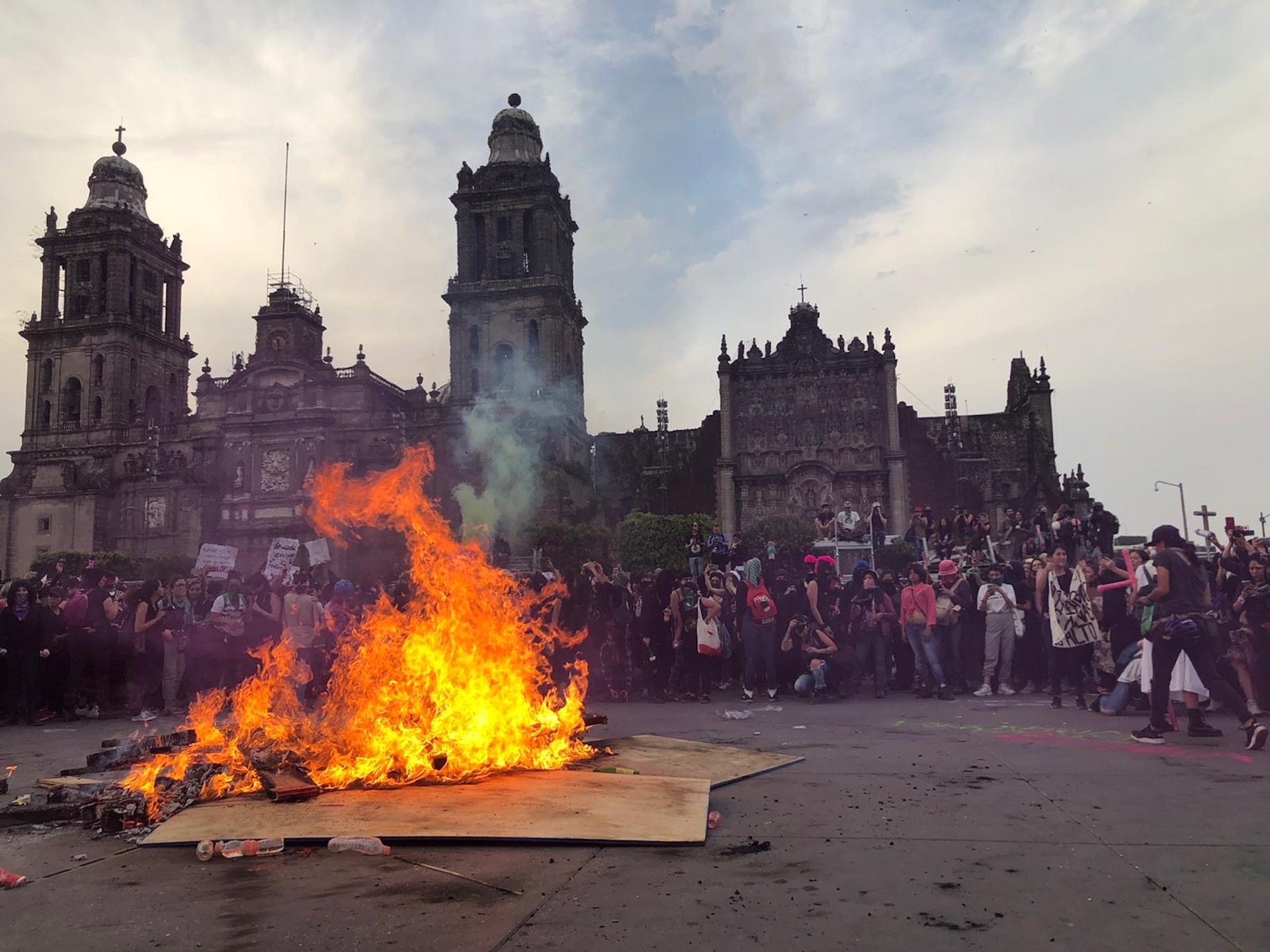 , Mexican Women Are Shutting Down Their Country to Protest Violent Machismo Culture, Saubio Making Wealth