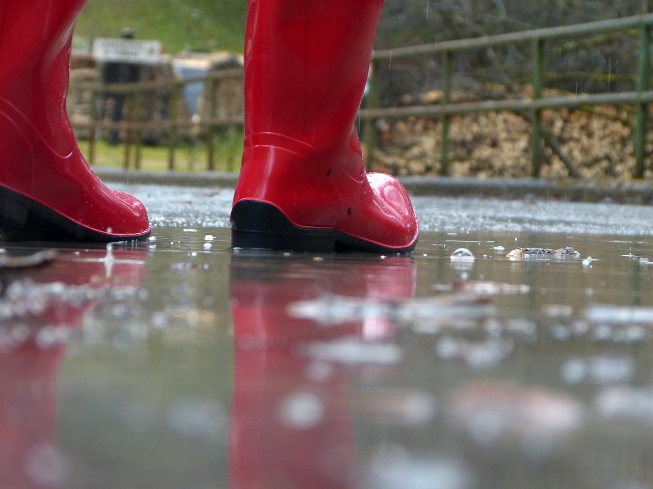 , Women at Work: Staying Elegant on Rainy Days, Saubio Making Wealth