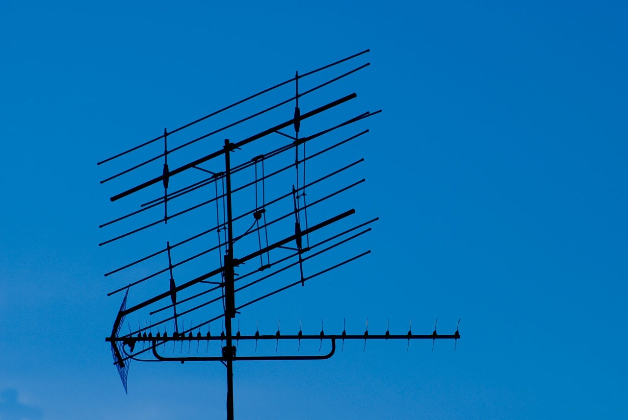 , Why You Need to Buy an Outdoor TV Antenna, Saubio Making Wealth