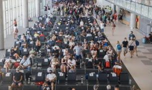 , Coronavirus: UK tourists face new quarantine deadline race, Saubio Making Wealth