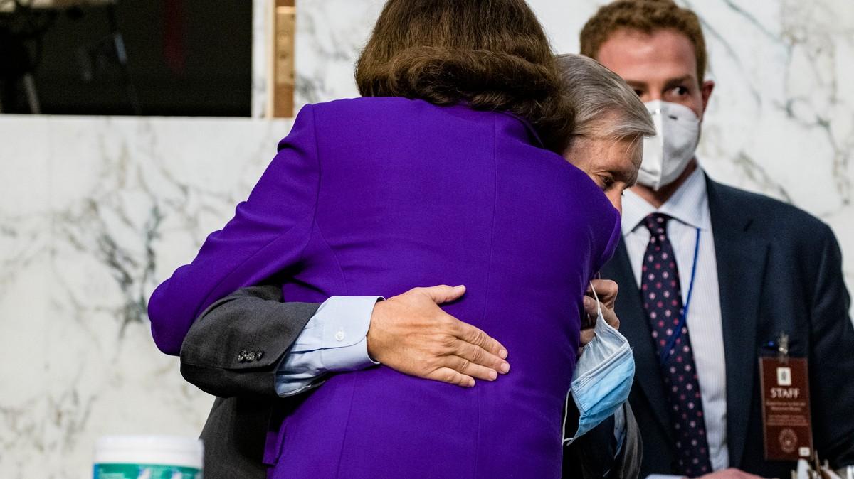 , Lindsay Graham Getting a Hug at Amy Coney Barrett's Hearing Just Put Democrats Over the Edge, Saubio Making Wealth