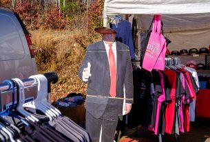 , At a Trump Merch Stand in Pennsylvania the Moment Biden Won the Election, Saubio Making Wealth