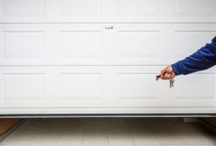, 4 Most Common Garage Door Problems, Saubio Making Wealth