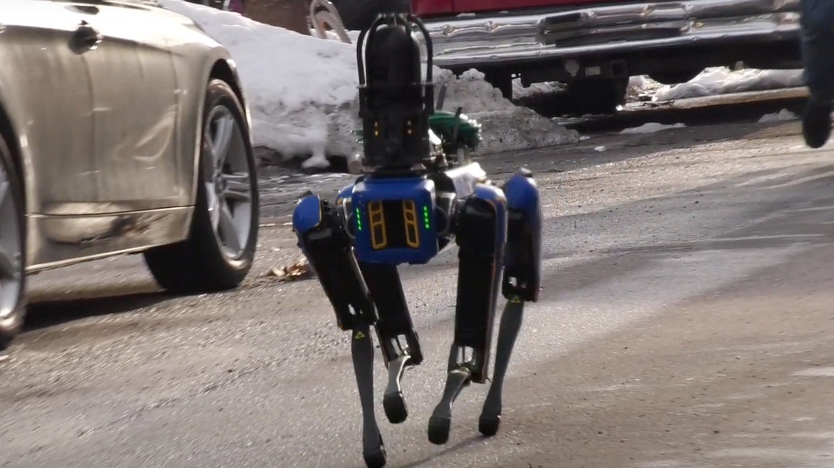 , The NYPD Sent a Creepy Robotic Dog Into a Bronx Apartment Building, Saubio Making Wealth