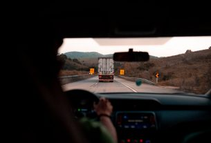 , 4 Top Reasons Why You Have To Recruit A Truck Driver For Your U-Haul, Saubio Making Wealth