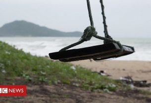 , Young Thai workers race to reopen deserted beaches, Saubio Making Wealth