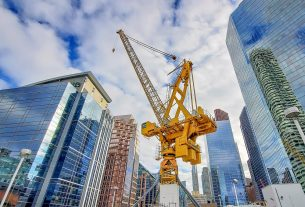 , Buying A Quality Used Crane Is A Substantial Company Investment – Here's Why, Saubio Making Wealth
