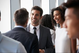 , How to Pick the Right Networking Events to Attend, Saubio Making Wealth