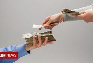 , FTSE bosses earn 86 times more than average worker in 2020, Saubio Making Wealth